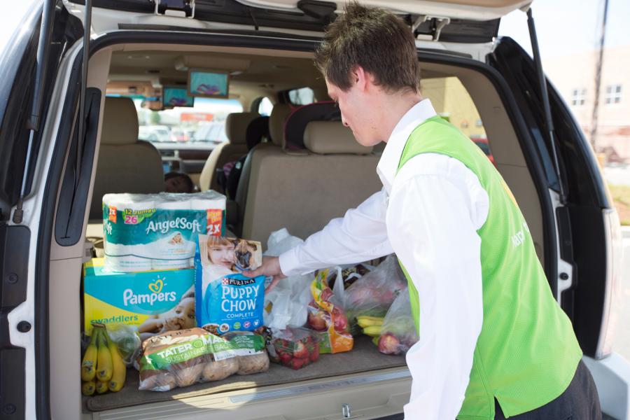 Walmart opening 1000 online grocery pickup location