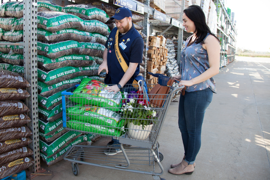 Walmart Empowers Lawn & Garden Associates with Mobile Checkout