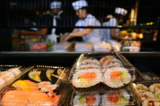 From Poké Bowls to Creating Theater: Sushi Guru Shares Tips for Grocerant Success