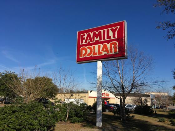 Dollar Tree Hopes Store Revamps Will Reverse Sagging Family Dollar Sales Dollar General Dollar Stores