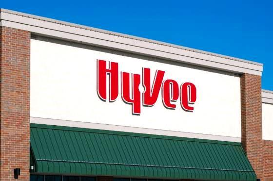 Hy-Vee Makes Free Grocery Pickup, Delivery a Closer Reach