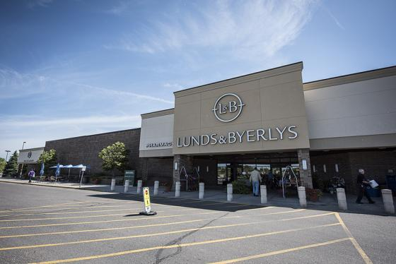 Lunds & Byerlys Exiting Pharmacy Biz