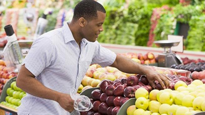 Consumers, Produce Trends, Snacking, FreshFacts on Retail