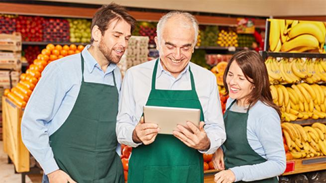 3 Employee-Engaging Strategies to Enhance the Customer Experience