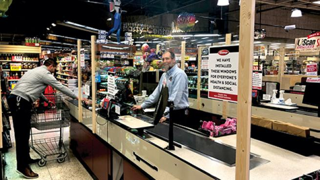 Dierbergs Installs Plexiglass Windows to Aid Social Distancing