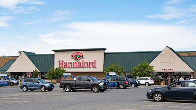 Hannaford Aids Local Farms Affected by COVID-19