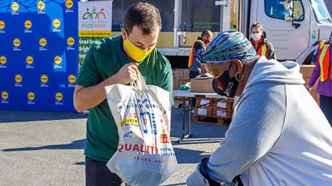 Lidl Donates 3K+ Turkeys to Local Food Banks Feeding America