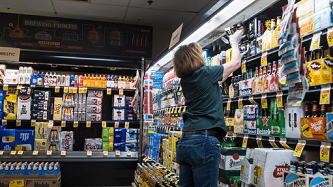 Independent Grocers Play Key Role in Boosting U.S. Economy National Grocers Association
