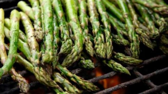 Shoppers Load Up on Seasonal Asparagus, Meijer Reports