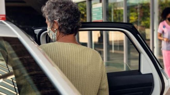 Harris Teeter Partners With Lyft on Rides for Vaccine Appointments