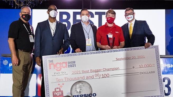 Hy-Vee Associate Wins 2021 NGA Best Bagger Championship Ben Miller
