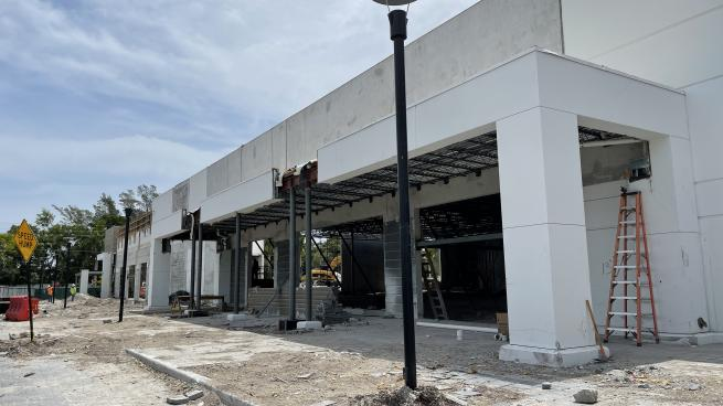 Amazon to Open Drive-Thru Grocery Store in Florida?