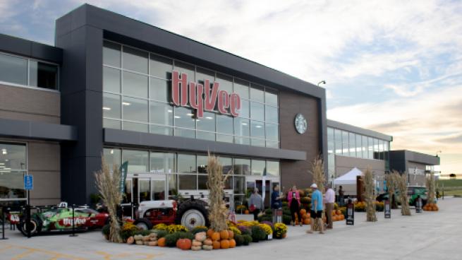 Hy-Vee Dazzles Iowans With New Prototype