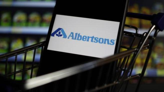 Albertsons Beats Expectations in Q2