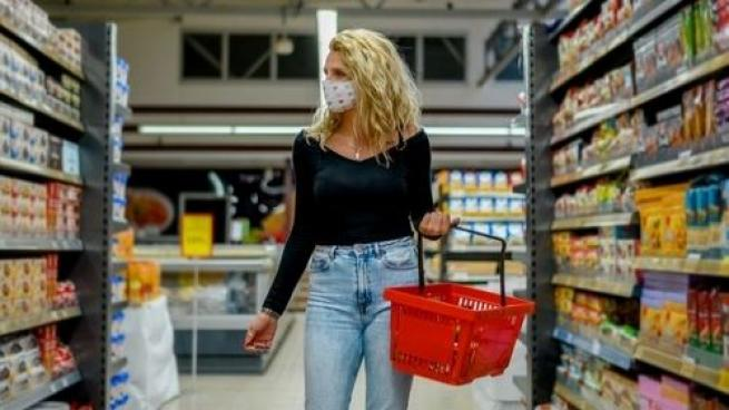 Foot Traffic Up at Grocery Stores and Superstores This Summer