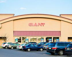 Giant Co. Hiring 3,000 More Associates