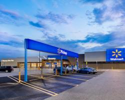 Walmart's New Store Design Reflects E-Commerce Values
