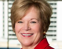 FMI's Leslie Sarasin Honored as Association CEO of the Year CEO Update