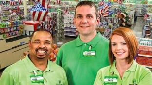 Dollar Tree to Hire Thousands