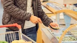 Solutions for Retail Foodservice Are Hands-Off for Now