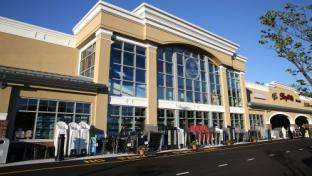 Saker Family Opens State-of-the-Art ShopRite in New Jersey