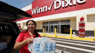 Southeastern Grocers Tells Shoppers Start Prepping Hurricane Kits Now