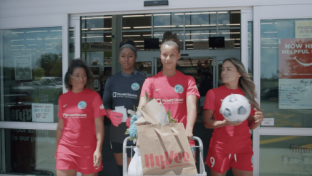 Hy-Vee Teams Up With Women's Soccer League