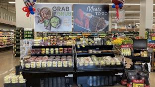 Albertsons, Uber Team Up in Grocery Delivery Battle