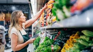 Natural Grocers Raises Employee Wages
